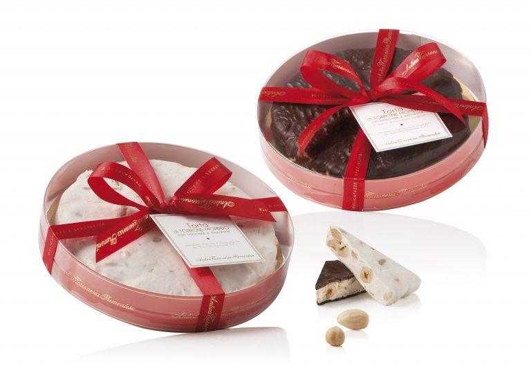 Torta di torrone morbido e Torta di torrone morbido ricoperto di cioccolato