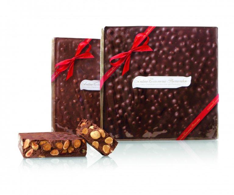Mattonella di cioccolato con nocciole